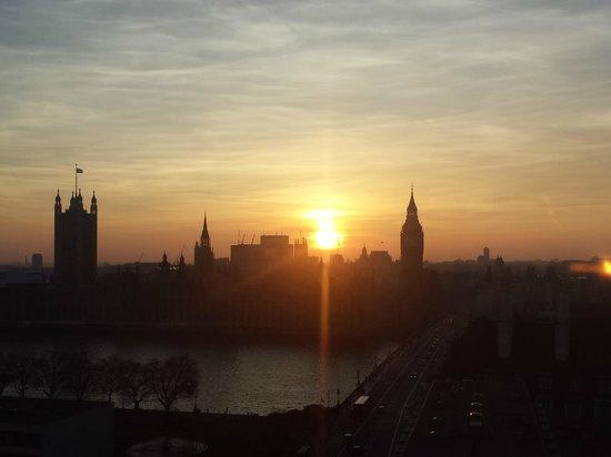 Park Plaza Westminster Bridge London: Aussicht von der Suite im 14. Stock