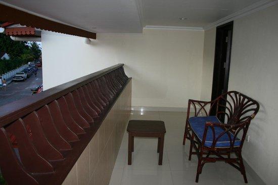 Berjaya Praslin Resort - Seychelles : terrasse de la chambre