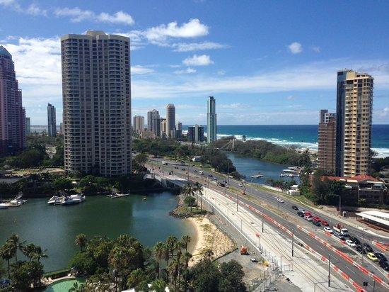Surfers Paradise Marriott Resort & Spa : Ocean + pool view