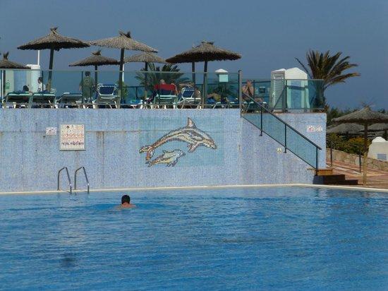 SBH Club Paraiso Playa: piscines froides vides malgré le beau temps