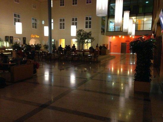 JUFA Hotel Wien City: lobby