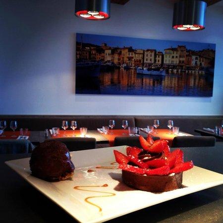 Photo of French Restaurant L'Oustau de la Mar at 20 Quai Des Baux, Cassis 13260, France