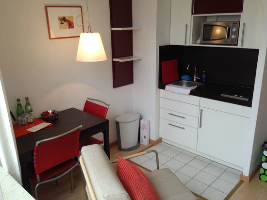 Frederics Serviced Apartments: Room on 7th floor
