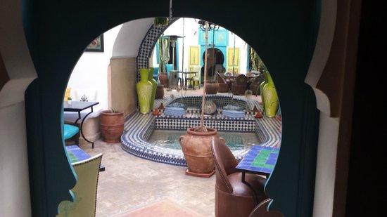 Riad Les Lauriers Blancs : courtyard