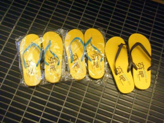 amba TAIPEI XIMENDING: Slippers