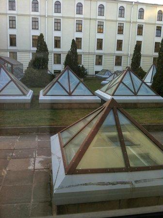 Angleterre Hotel: вид из окна номера (лучше, чем в Астории, поверьте!)