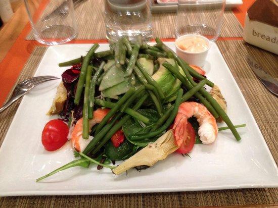 Bread and Roses : Prawn and avocado salad