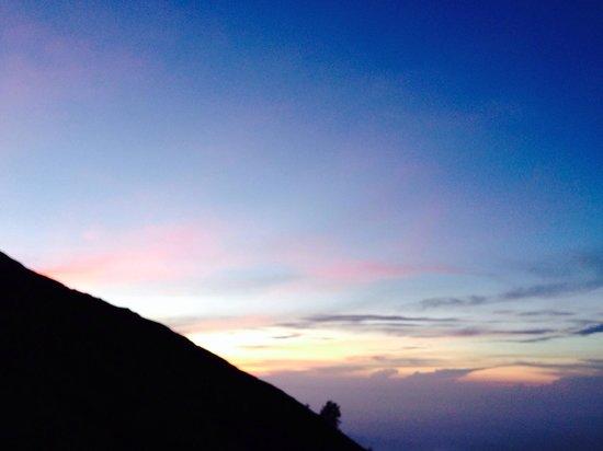Mount Agung: Sunrise