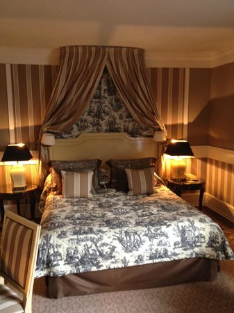 Tiara Chateau Hotel Mont Royal Chantilly : Chambre Deluxe
