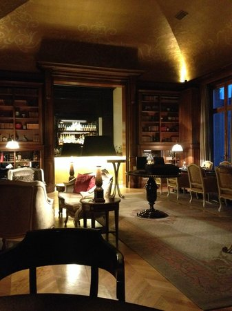 Tiara Chateau Hotel Mont Royal Chantilly : Bar Stradivarius