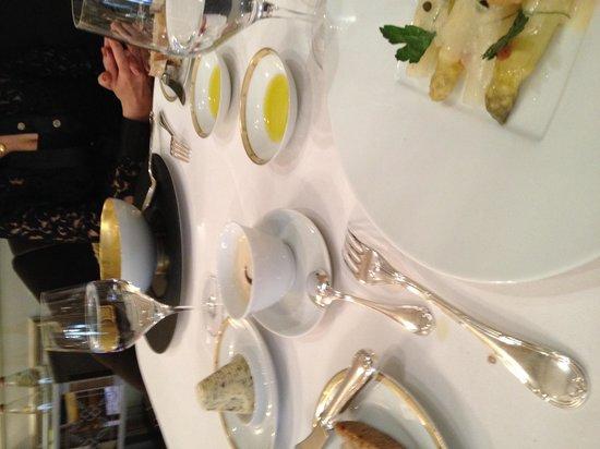 Le Cinq : Velouté d'asperges blanches
