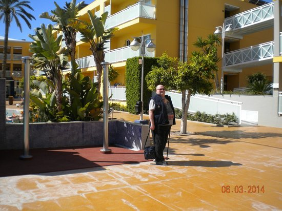 Terralta Apartamentos Turisticos : Richard near pool