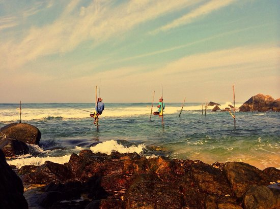 Sri Gemunu Beach Resort: Sri Gemunu stilt fishing