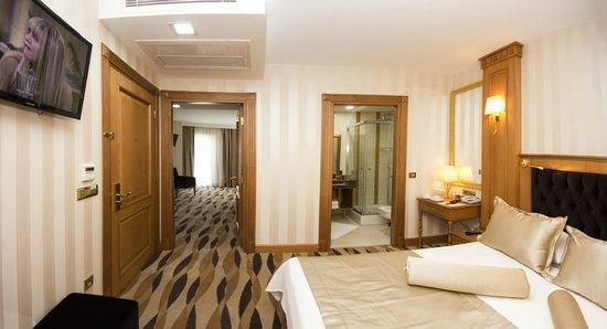 Aprilis Hotel : Connected Room