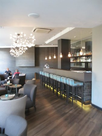 Motel One Edinburgh-Royal: Le bar