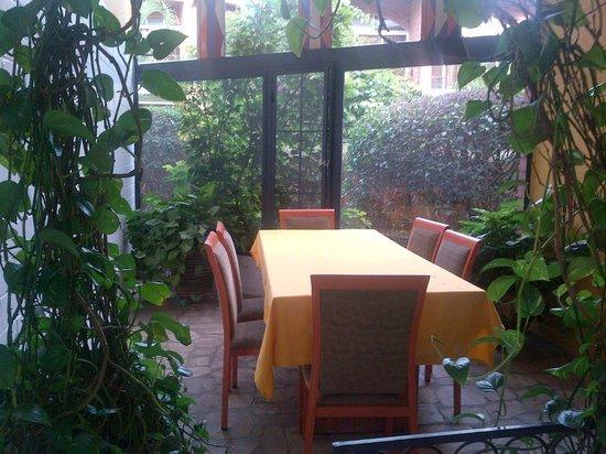 Hotel Chez Lando: Within the building