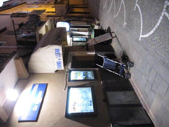 Da Mimmo : vista del locale ingresso da via crovara
