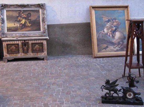 Da Mimmo : napoleonico antiquariato in piazza