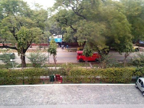 The Claridges New Delhi: View of Aurangzeb Road from my window