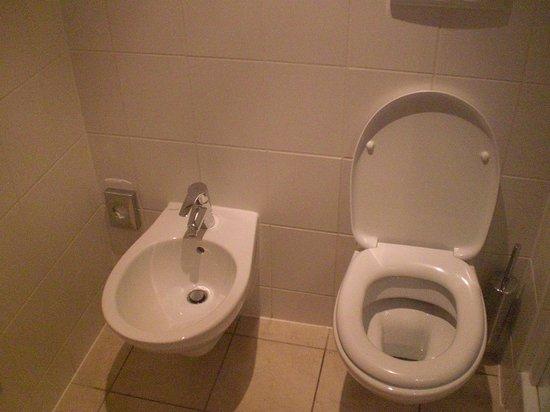 Bes Hotel Bergamo West: dettaglio bagno