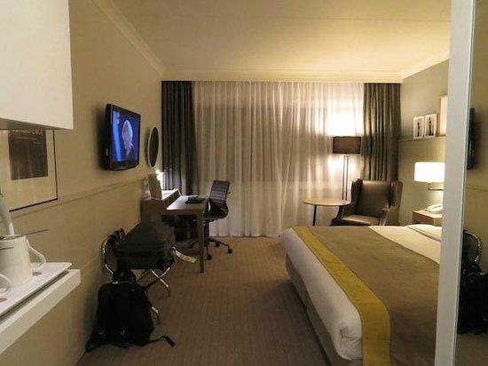 Holiday Inn London-Heathrow M4, Jct. 4 : Bedroom, view 1