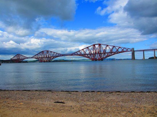 Dakota Edinburgh: Forth bridge