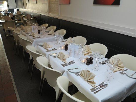 Mojo: Ook gereserveerde feesttafel