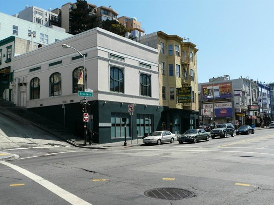 Green Tortoise Hostel - San Francisco : L'extérieur de l'hôtel
