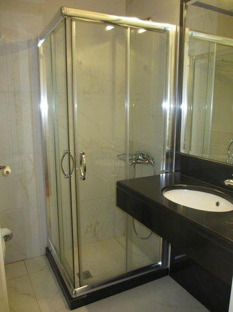 Palazzo Duca Hotel: Salle de bain classique