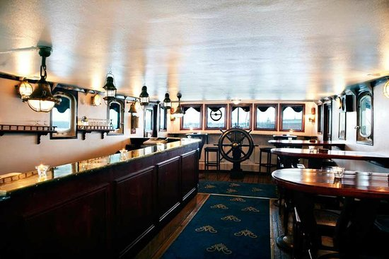Malardrottningen Yacht Hotel and Restaurant : Captains Bar