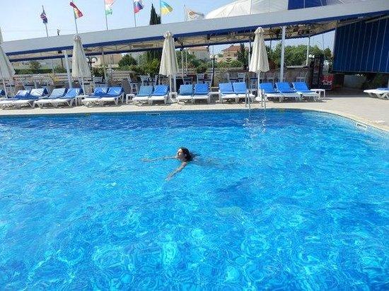 Mariandy Hotel: Бассейн при отеле