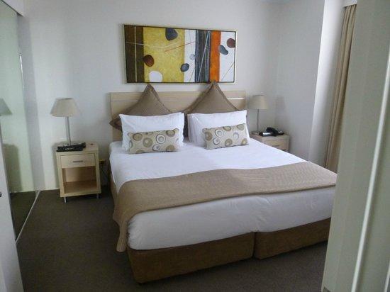 Oaks on Castlereagh: Queen size bed