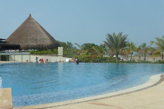 Occidental Cartagena : vista pileta activa
