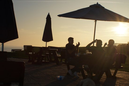 The Cooden Beach Hotel : Drinks @ Sundown