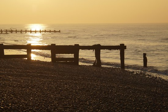 The Cooden Beach Hotel : Stroll @ Dawn