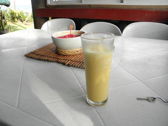 Agua Seda Beach: Welcome drink!