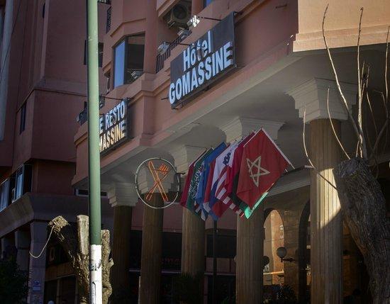 Hotel Gomassine : Вывеска отеля.