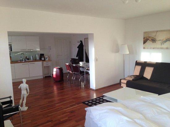 B! Apartments: Room