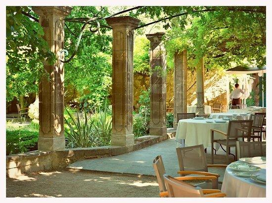Le Prieure Hotel Restaurant: dining area
