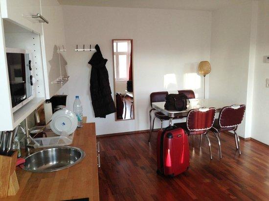 B! Apartments: Kitchen