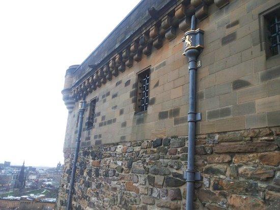 Edinburgh Castle: Стены неприступной крепости