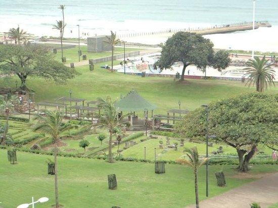 Southern Sun Elangeni & Maharani: Jardins e pista de skate