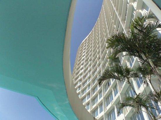 Southern Sun Elangeni & Maharani : Fachada vista da piscina