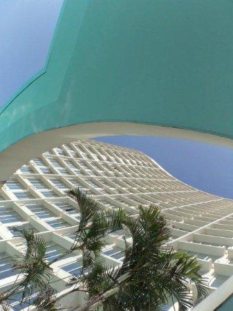 Southern Sun Elangeni & Maharani: Fachada vista da piscina