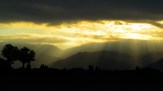 Lake Wairarapa: Sunser over Rimutakas