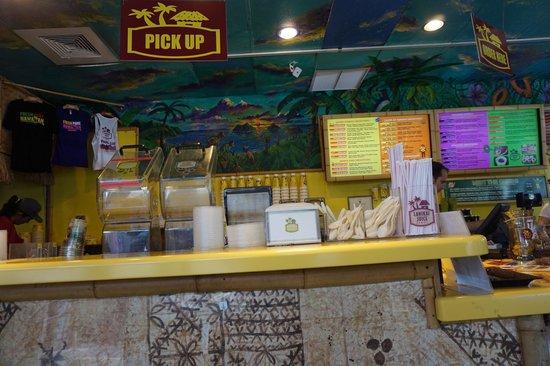 Lanikai Juice: ラニカイジュースの店内。こじんまりとしてます。席はオープンテラスのみ。