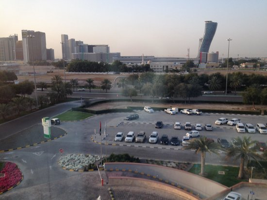 Holiday Inn Abu Dhabi: View from my ro