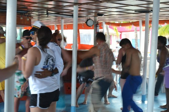 Dancer Cruise: What a party!