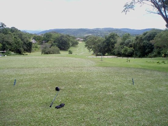 Kruger Park Lodge : Another long fairway on a lovely course