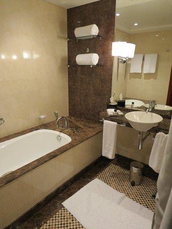 Grosvenor House Dubai: Bathroom